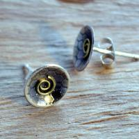 Handmade sterling silver earrings: Elegant Silver stud earrings with oxidised honeycomb texture and 18ct gold spirals